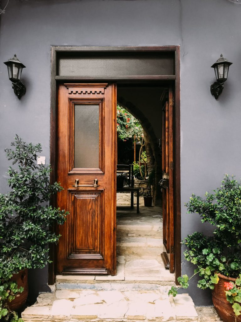 spend your time opening doors and selling to clients who want to see you.